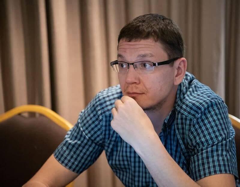 Агора Павел Чиков